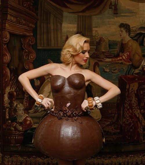 Chocolate-Dress-2.jpg (42 KB)