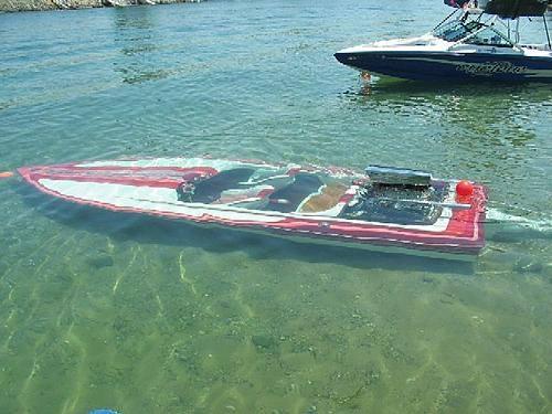 Boat-Submerged.jpg (36 KB)