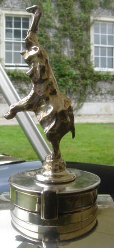 Goodwood2007-055a_Bugatti_Hood_Ornament_Type_41_Royale.jpg (832 KB)