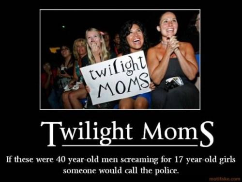 Twilight_Moms_by_InLoveWitEdwardC.jpg (57 KB)