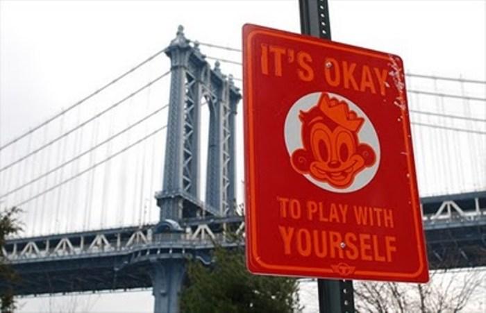 Humorous_Street_Signs+_05.jpg (126 KB)