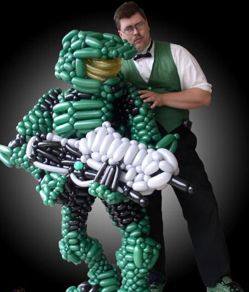 master_chief_balloons_Master_Chief-s494x579-30893-580.jpg (52 KB)