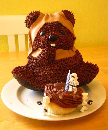 ewok-cake.jpg (69 KB)
