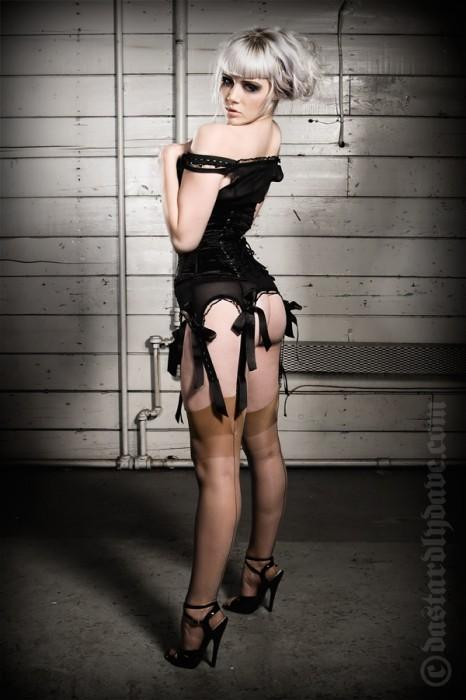 Mosh__black_corset_by_DastardlyDave.jpg (327 KB)