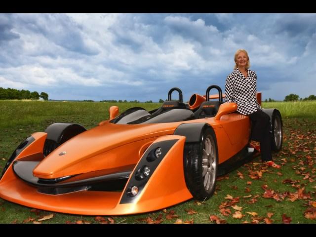 2010-Hulme-CanAm-SuperCar-Bear-1-Test-Car-Front-Angle-2-1600x1200.jpg (452 KB)