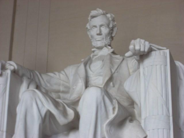Abraham_Lincoln_Memorial.jpg (1 MB)