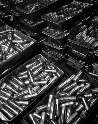 2505_37_mm_armour_piercing_aluminum_castings_in_a_factory_1942.jpg (60 KB)