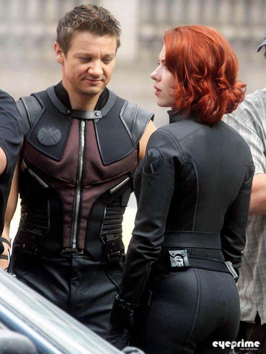 Jeremy-Renner-Scarlett-Johansson-Avengers-Costumes.jpg (58 KB)