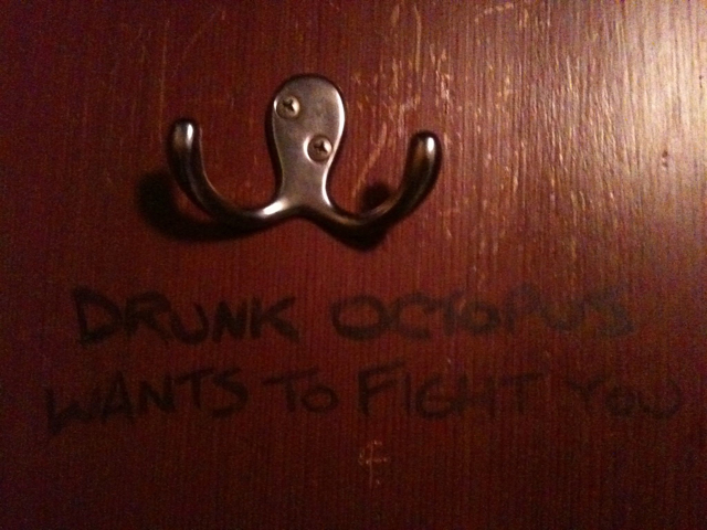 drunk-octopus-wants-fight-doorhanger-13222734915.jpeg (315 KB)