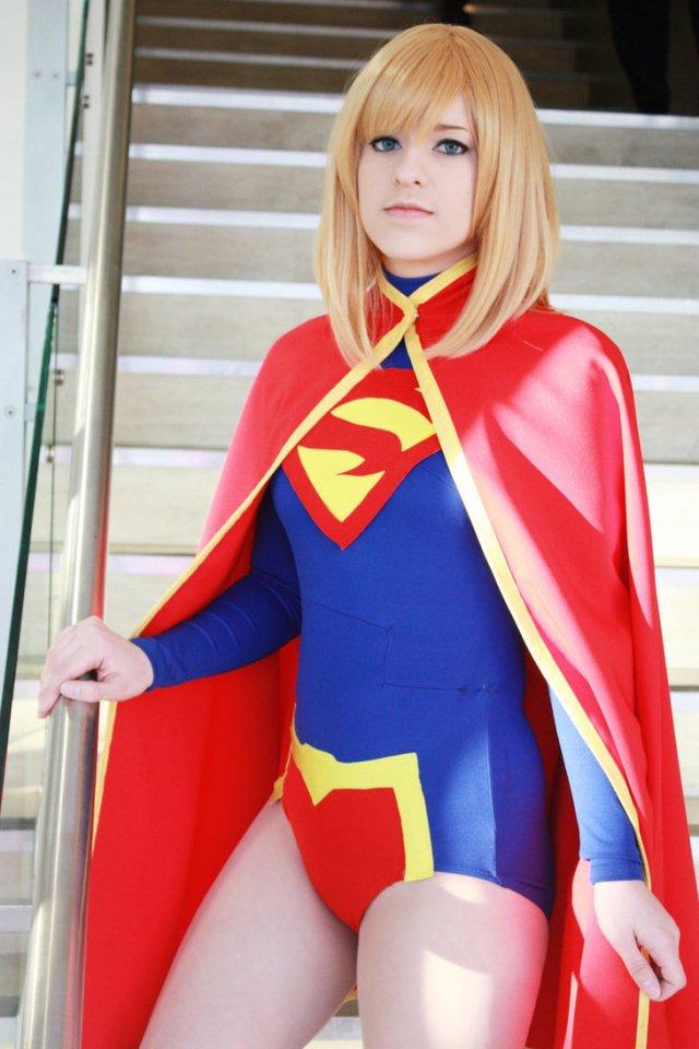 dcnu___supergirl_cosplay_2_by_miarichan-d4rdif3.jpg (156 KB)