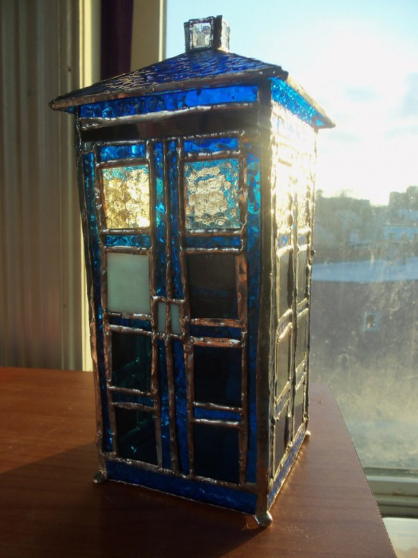 stained-glass-tardis.jpg (172 KB)