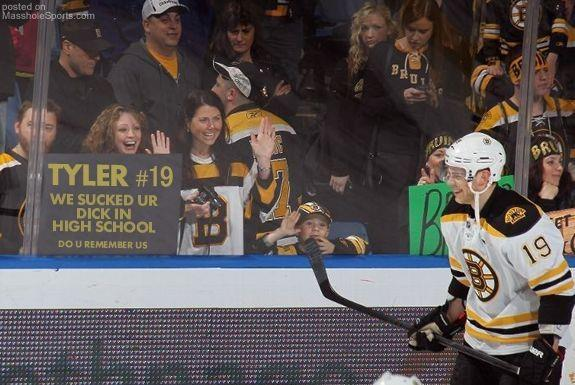 Bruins-Fans.jpg (49 KB)