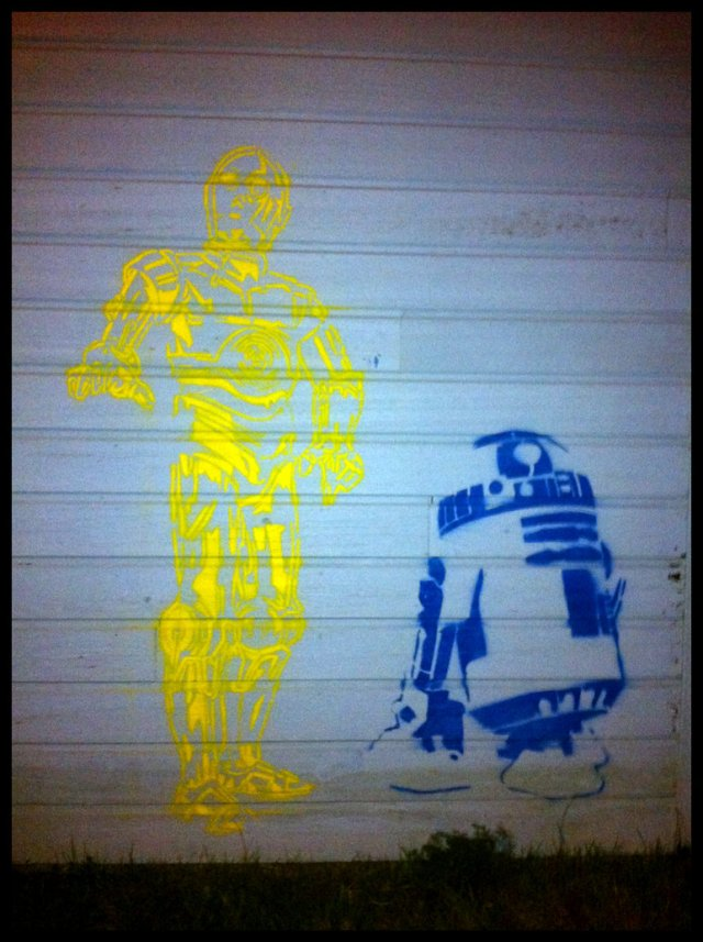 r2d2_and_c3po_street_art_by_blouharthur-d4o9lqq.jpg (199 KB)