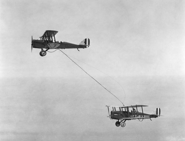 Refueling,_1923.jpg (660 KB)