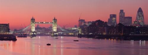 London_Thames_Sunset_panorama_-_Feb_2008.jpg (684 KB)