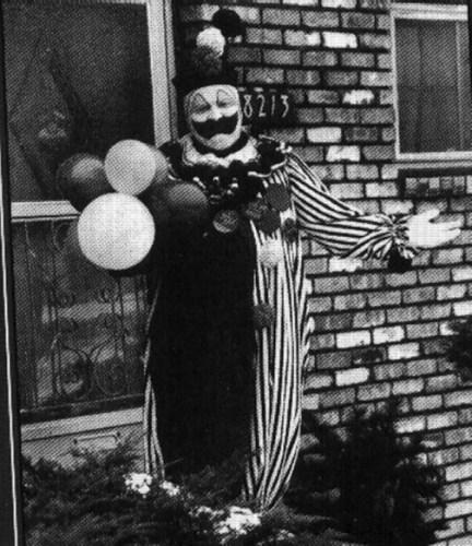 gacy_clown.jpg (79 KB)