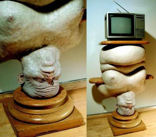 pedestal_head_44k.jpg (67 KB)