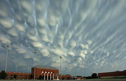 Wax-drip-clouds_1411916i.jpg (27 KB)
