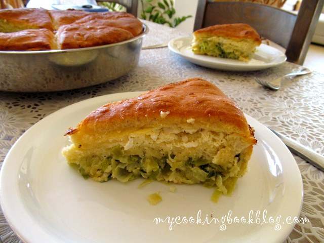 Баница с две плънки: праз лук с ориз и сирене с яйца