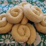 Тахинокулуракя (Ταχινοκουλουράκια) или курабии с натурален тахан