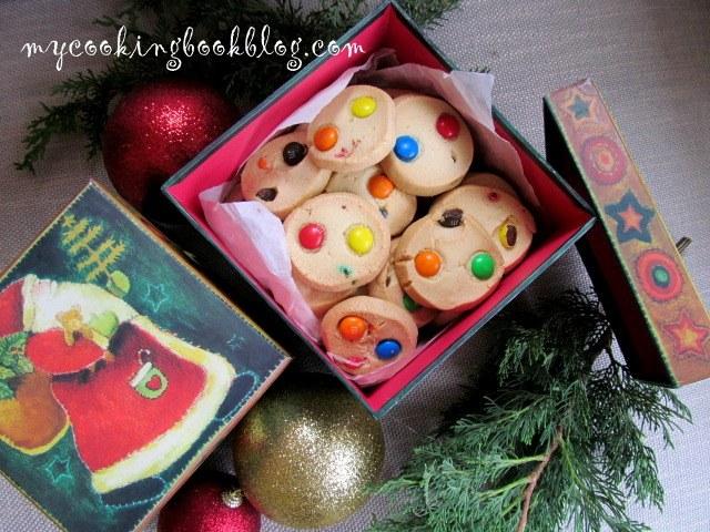 Маслени бисквити с бонбони m&m