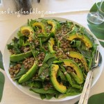 Салата със спанак, леща и смес от семена