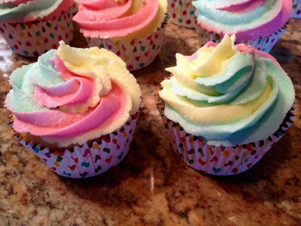 How To Make Tie Dye Frosting - My Country Table