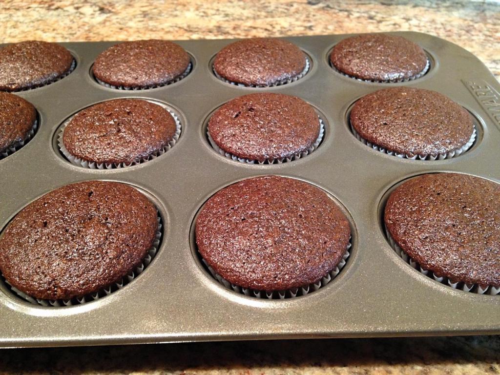 chocolatepeanutbuttercupcakes-22_fotor