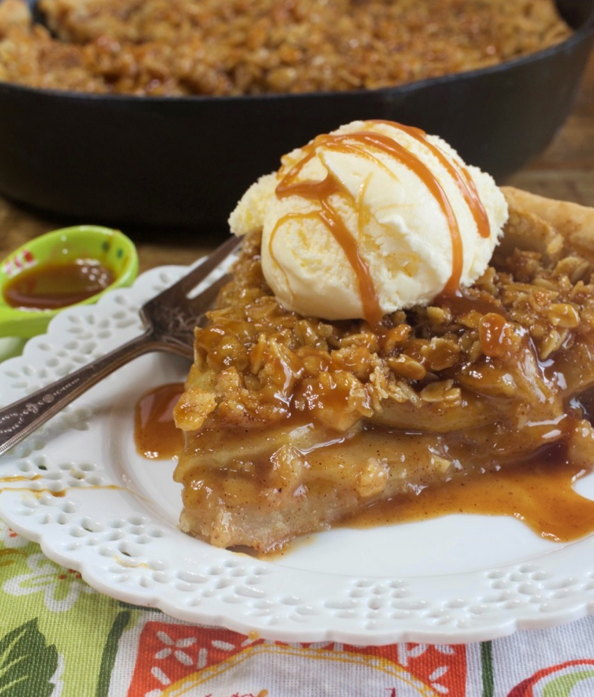 Skillet Apple Streusel Pie
