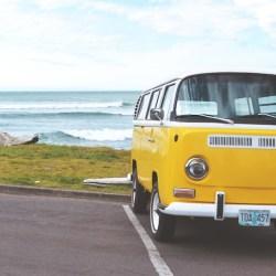 volkswagen-toeren-roadtrip-auto-zee-vrijheid