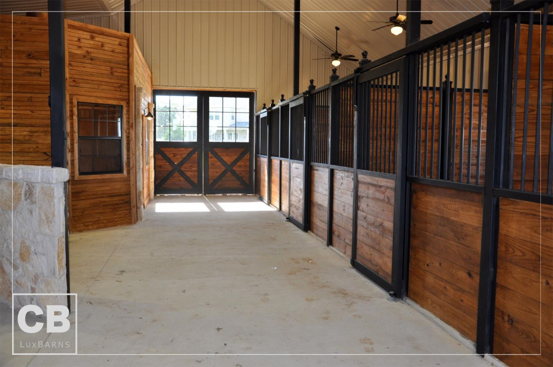 Fues Custom Horse Stable