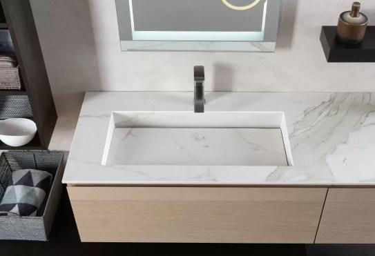 Piano con vasca integrata piccola Vogue in HPL, fondo in acciaio, senza troppopieno. L 301 (max) x P 51 x SP 12.5 cm