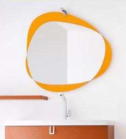 Specchiera Orbita con cornice in vetro laccato, senza presa ed interruttore.