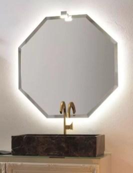 Specchiera sospesa Polygon 4 con telaio in finitura brill, specchio bisellato, senza interruttore. L 85 x P 3 x A 85 cm