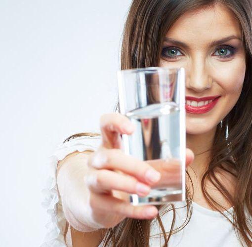 Η αυτοπαρακολούθηση της πρόσληψης νερού στη διατήρηση του βάρους