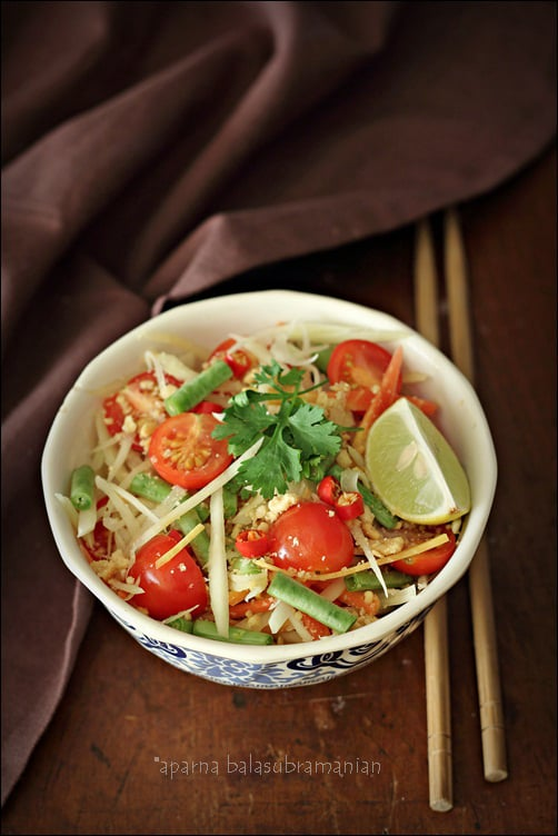 A Vegetarian Som Tum/ Som Tam – Thai Green Papaya Salad