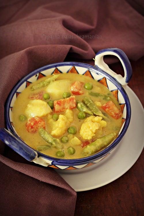Vegetable Caldeen/ Caldinho de Legumes – Goan Vegetable & Spiced Coconut Milk Curry