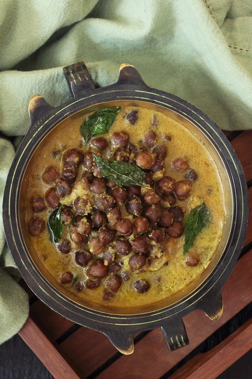 Curried Chickpeas or Kadala Kari & The Suriani Kitchen Cookbook Giveaway