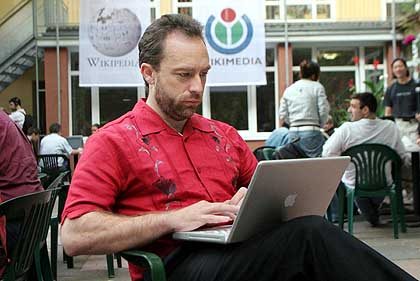 jimmy_wales_wikipedia.jpg
