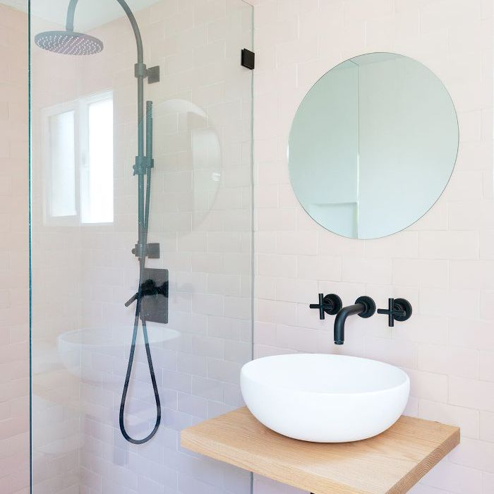 7 Practical Small Shower Ideas And What Not To Do