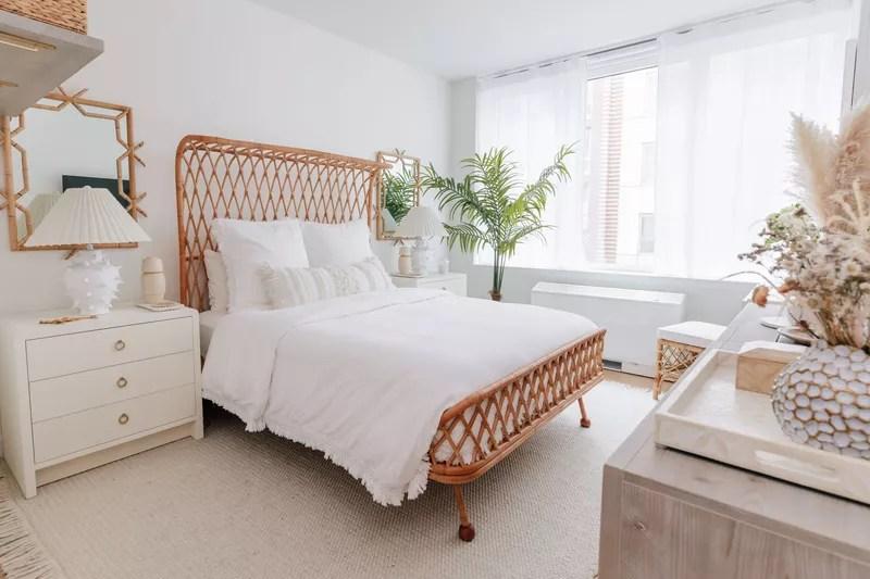 Beachy primary bedroom.