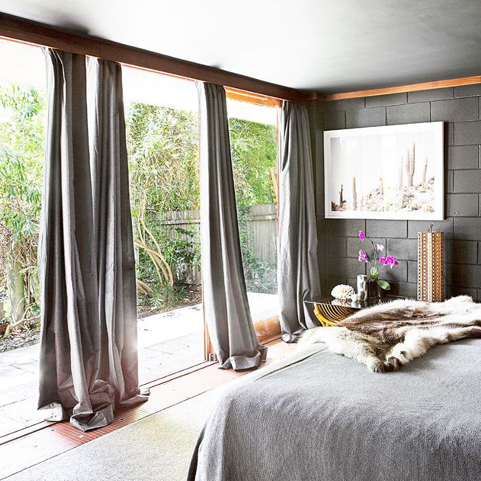 rules for hanging window curtains