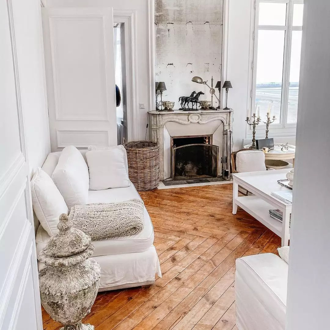 White Parisian sitting area.