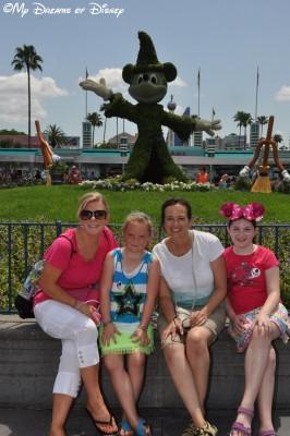 My Dreams of Disney, Disney In Pictures, Disney's Hollywood Studios, Sorcerer Mickey Topiary