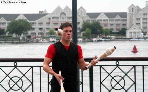 Boardwalk Street Performer Juggler