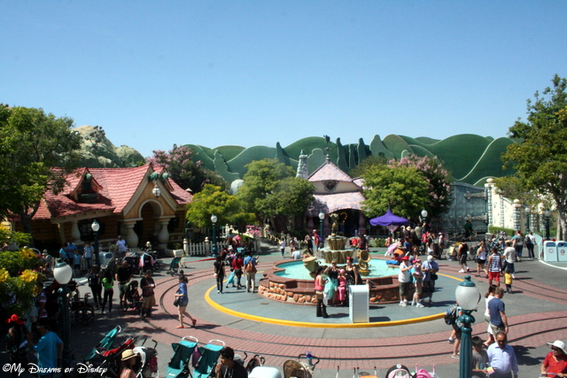 This shot of Toontown shows Mickey's house and Minnie's House!
