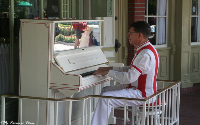 As much as I like Billy Joel, at Walt Disney World, this is the true Piano Man!