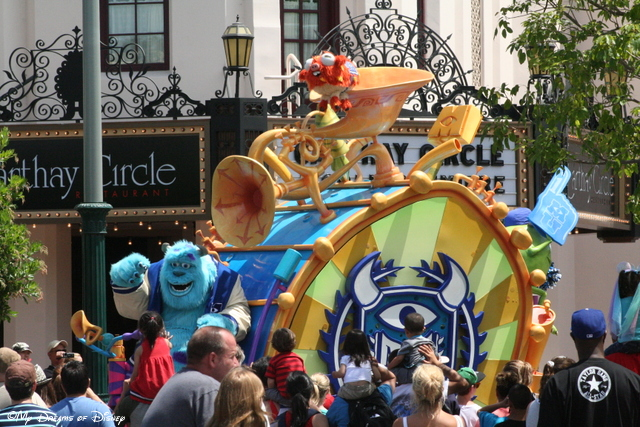Sully beats to his own drum in this Pixar Pals Parade!