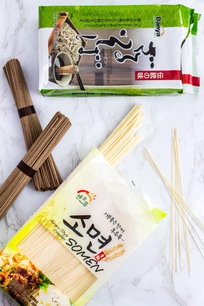 photo of a dried somen noodle and soba noodle