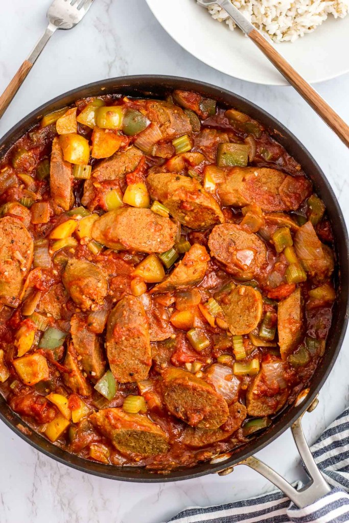 vegan creole sausage cacciatore in the skillet